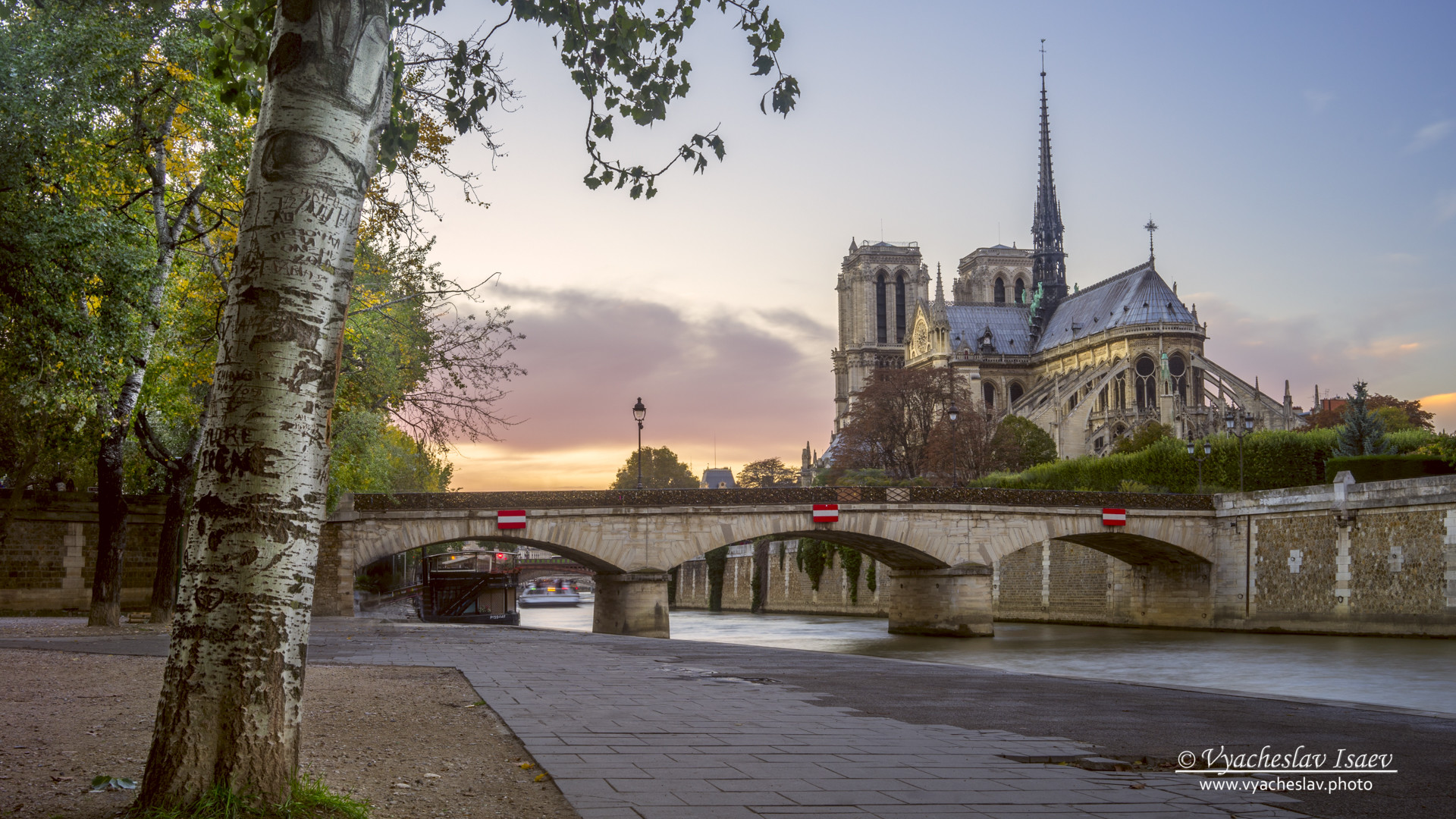 Last day light on Notre Dame de Paris